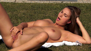Natural Beauty Hypnotize Every Viewer During her Graceful Masturbation